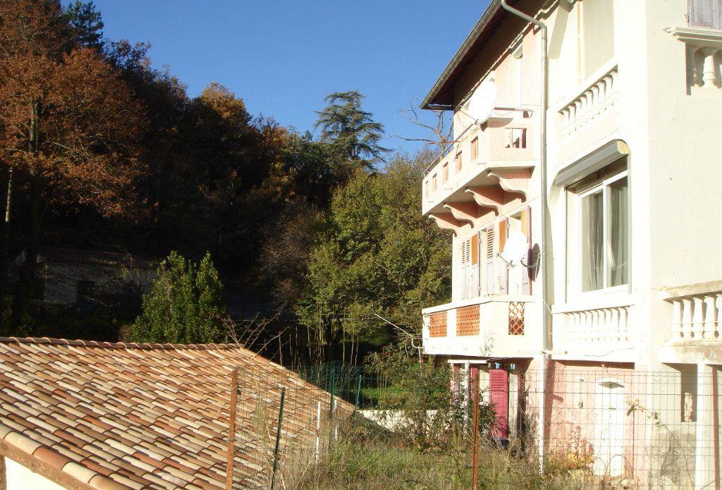Appartement à louer 3 0m2 à Château-Arnoux-Saint-Auban vignette-2
