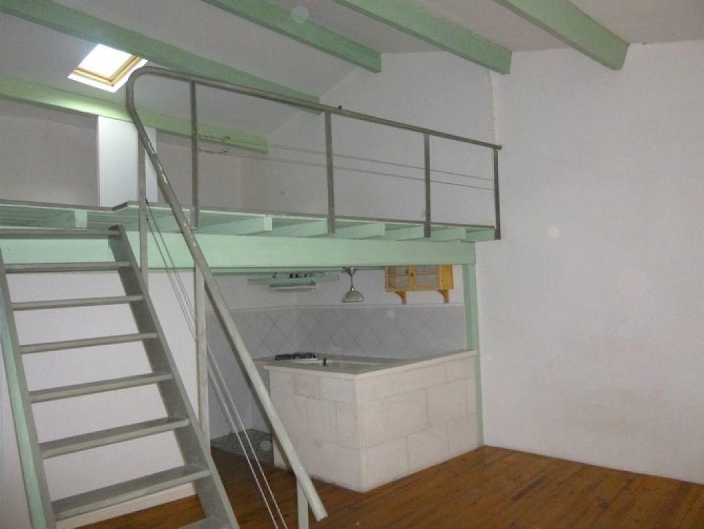 Appartement à louer 2 57m2 à Pont-Saint-Esprit vignette-2