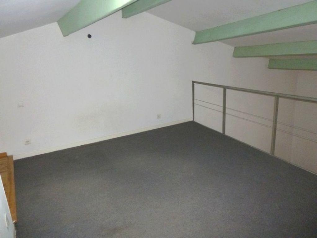 Appartement à louer 2 57m2 à Pont-Saint-Esprit vignette-3