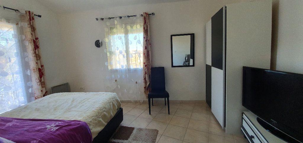 Appartement à vendre 3 63m2 à Pont-Saint-Esprit vignette-4