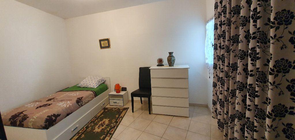 Appartement à vendre 3 63m2 à Pont-Saint-Esprit vignette-5