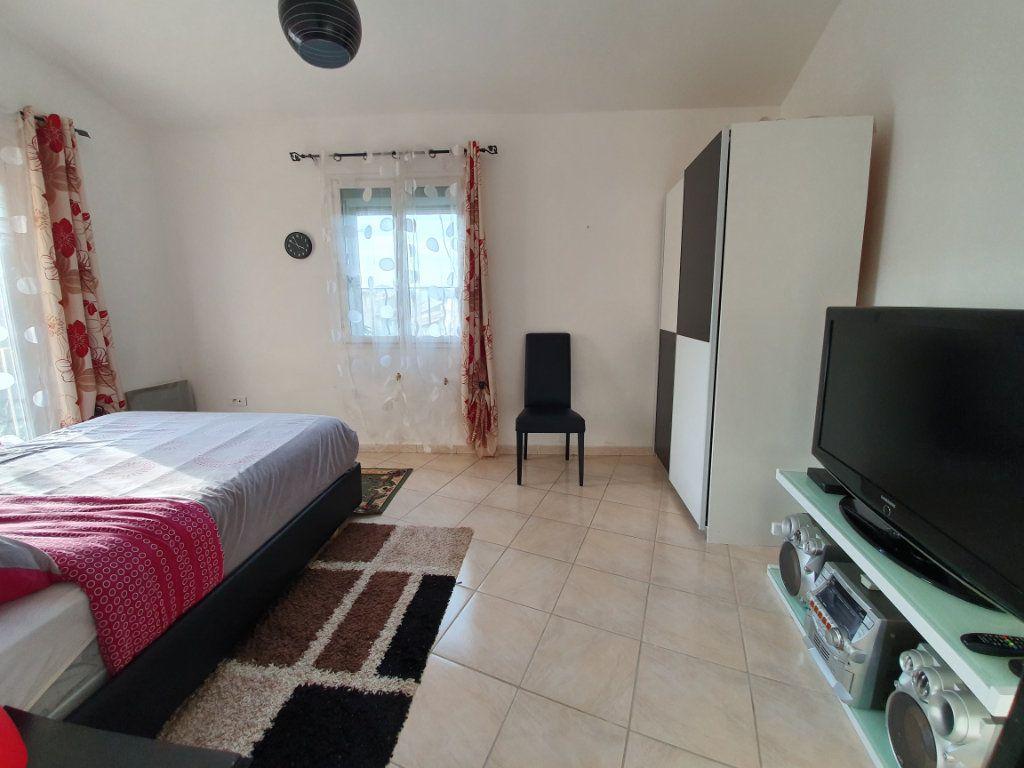 Appartement à vendre 3 63m2 à Pont-Saint-Esprit vignette-8