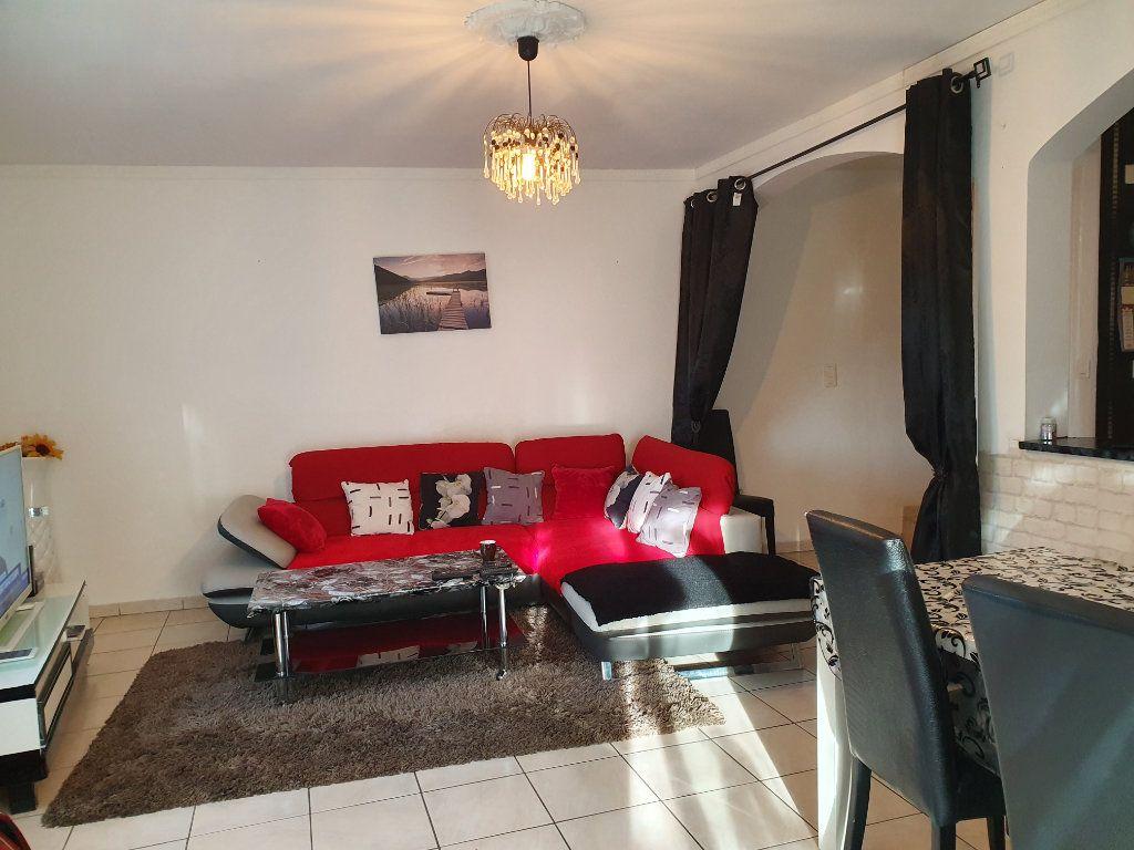 Appartement à vendre 3 63m2 à Pont-Saint-Esprit vignette-10