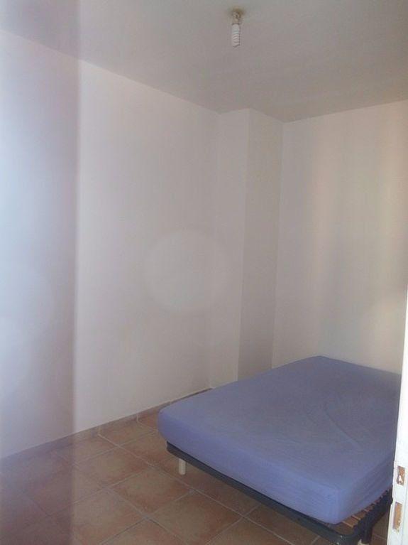 Appartement à louer 2 40m2 à Pont-Saint-Esprit vignette-4