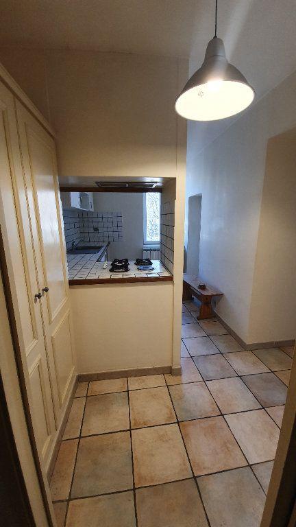 Appartement à louer 3 80m2 à Pont-Saint-Esprit vignette-2