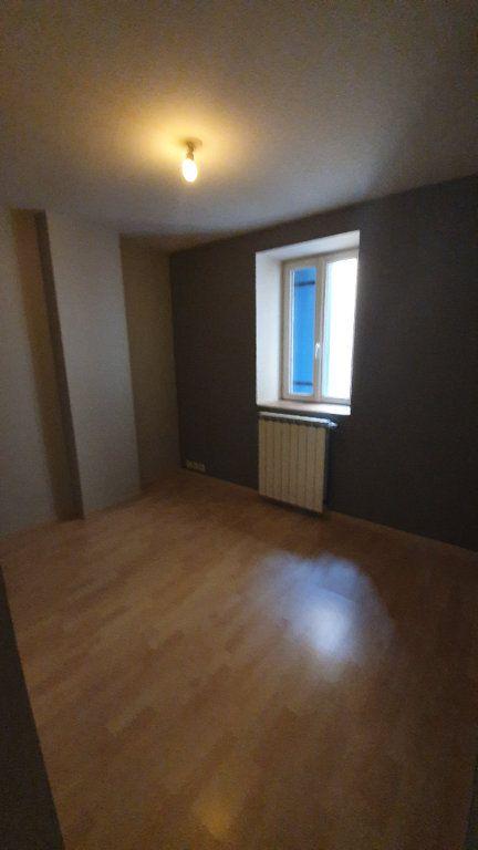 Appartement à louer 3 80m2 à Pont-Saint-Esprit vignette-5