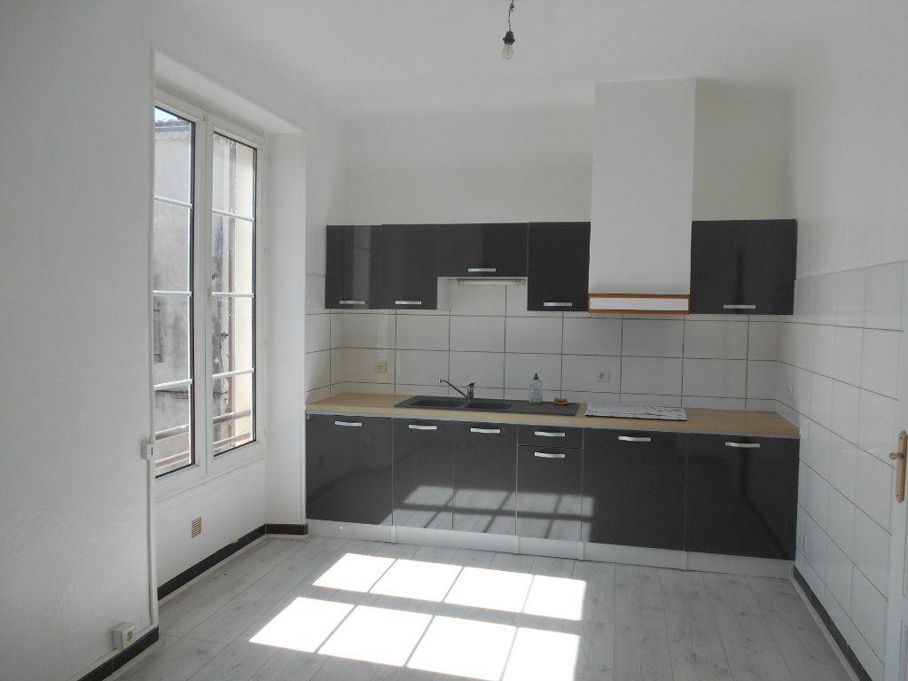 Appartement à louer 2 46m2 à Pont-Saint-Esprit vignette-2