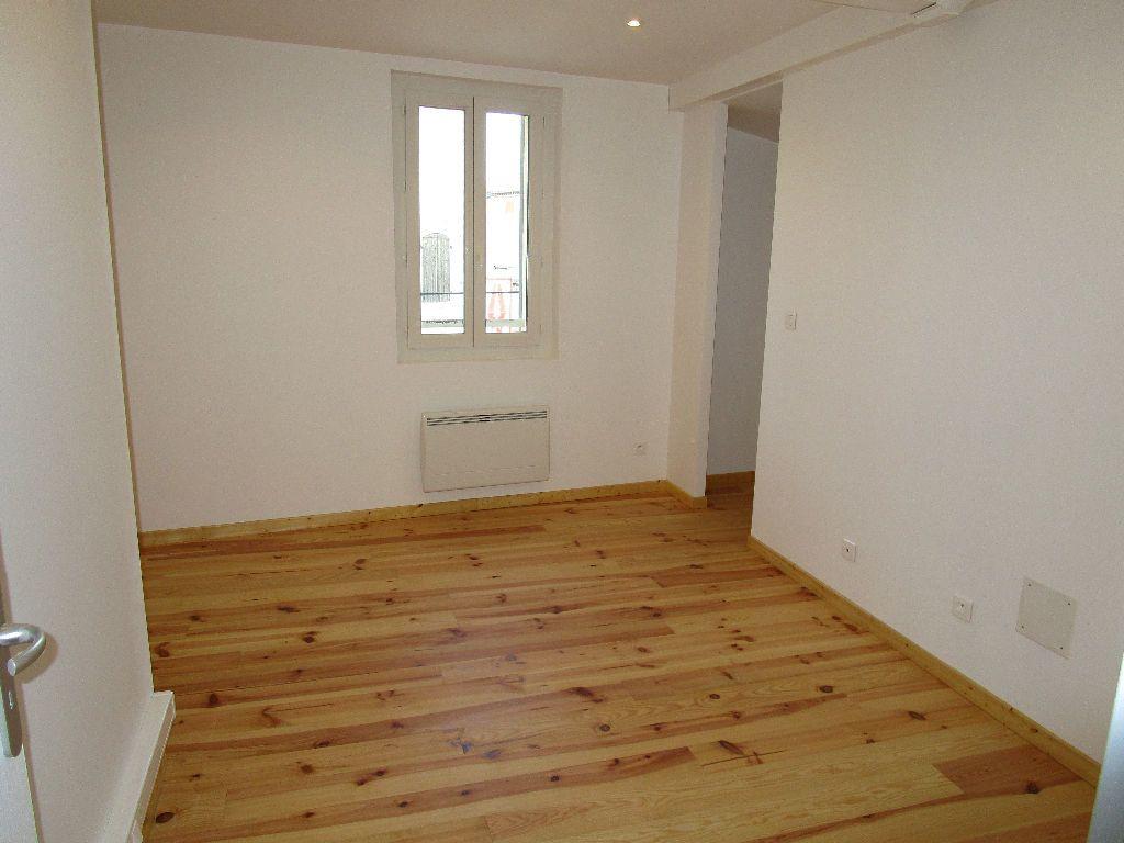 Appartement à louer 2 44m2 à Saint-Just-d'Ardèche vignette-4