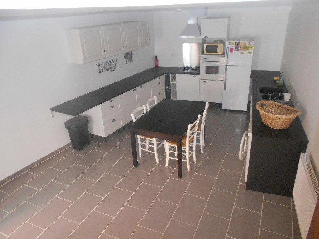 Maison à louer 3 90m2 à Pont-Saint-Esprit vignette-1