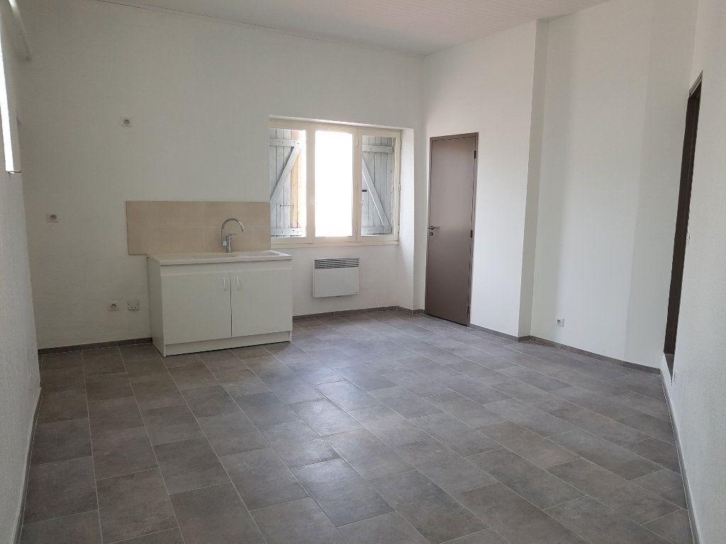 Appartement à louer 2 50.88m2 à Pont-Saint-Esprit vignette-1