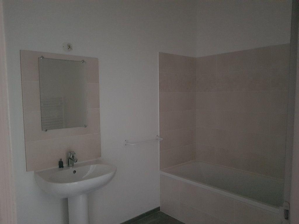 Appartement à louer 2 50.88m2 à Pont-Saint-Esprit vignette-3