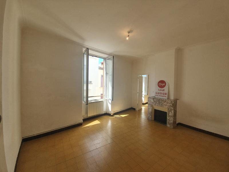 Appartement à louer 4 94m2 à Pont-Saint-Esprit vignette-3