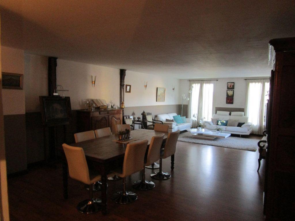 Appartement à vendre 4 120m2 à Pont-Saint-Esprit vignette-2