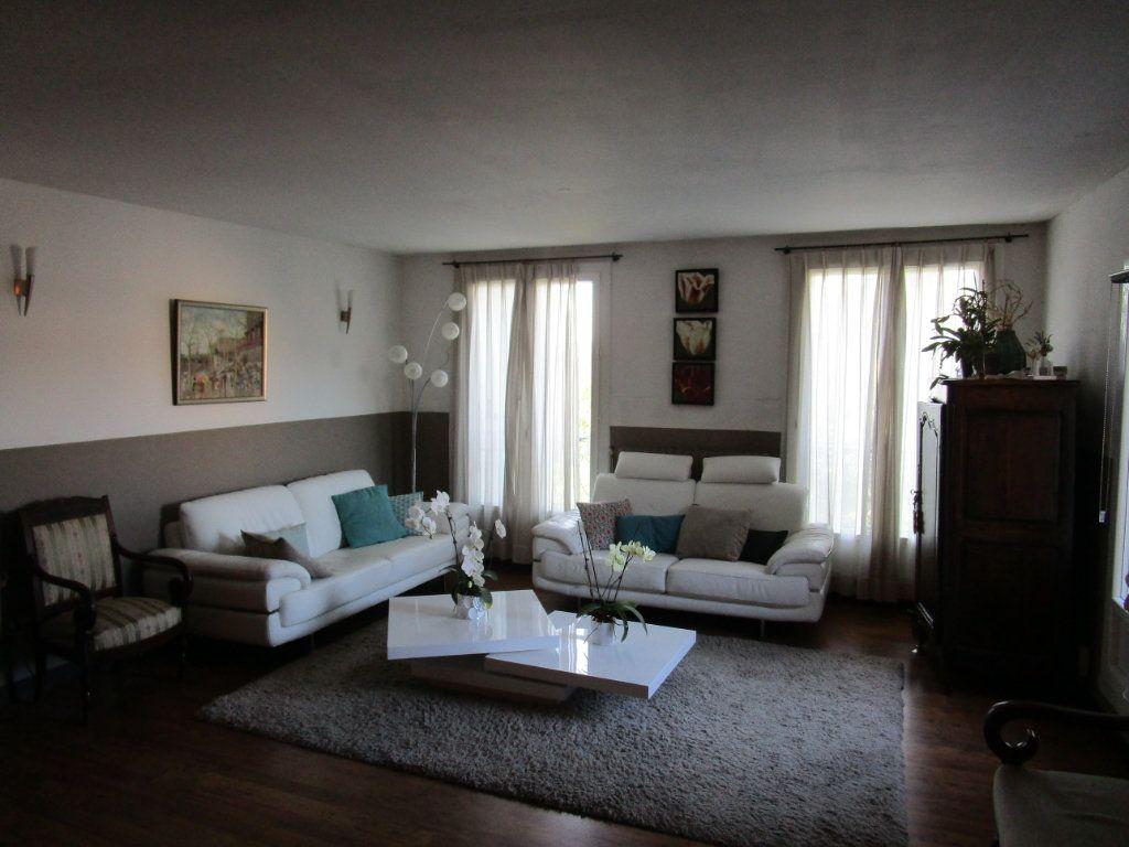 Appartement à vendre 4 120m2 à Pont-Saint-Esprit vignette-4