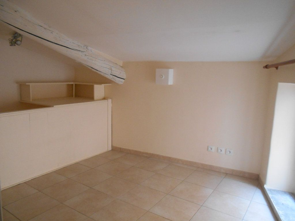 Appartement à louer 2 41m2 à Saint-Paul-Trois-Châteaux vignette-2