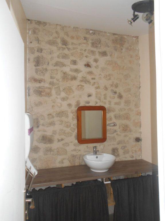 Appartement à louer 2 41m2 à Saint-Paul-Trois-Châteaux vignette-4