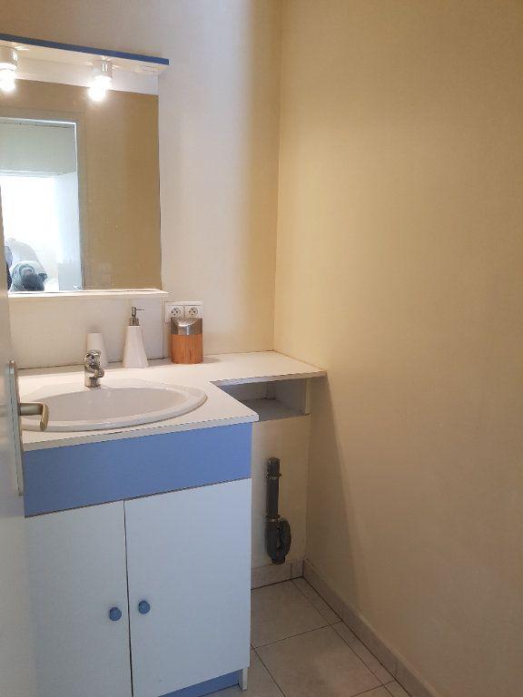 Appartement à louer 2 31m2 à Saint-Étienne-des-Sorts vignette-6