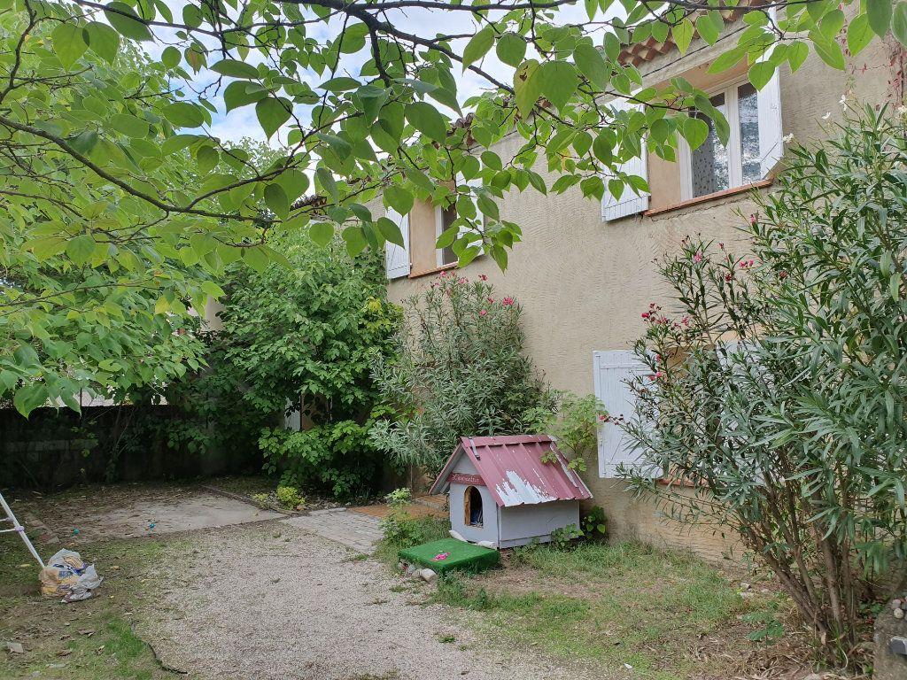 Maison à louer 5 122.11m2 à Saint-Paulet-de-Caisson vignette-2
