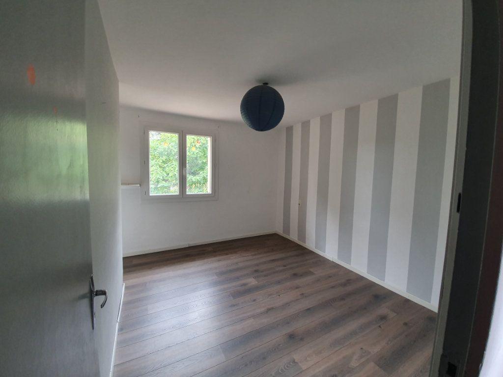 Maison à louer 5 122.11m2 à Saint-Paulet-de-Caisson vignette-5