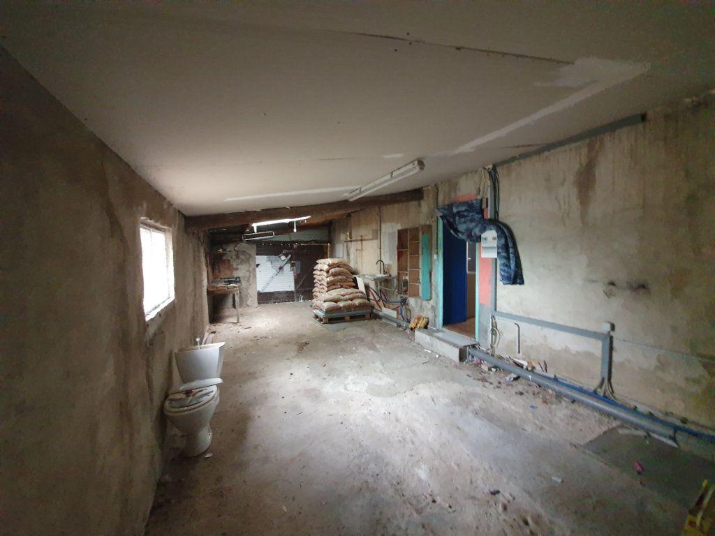 Maison à louer 5 122.11m2 à Saint-Paulet-de-Caisson vignette-8