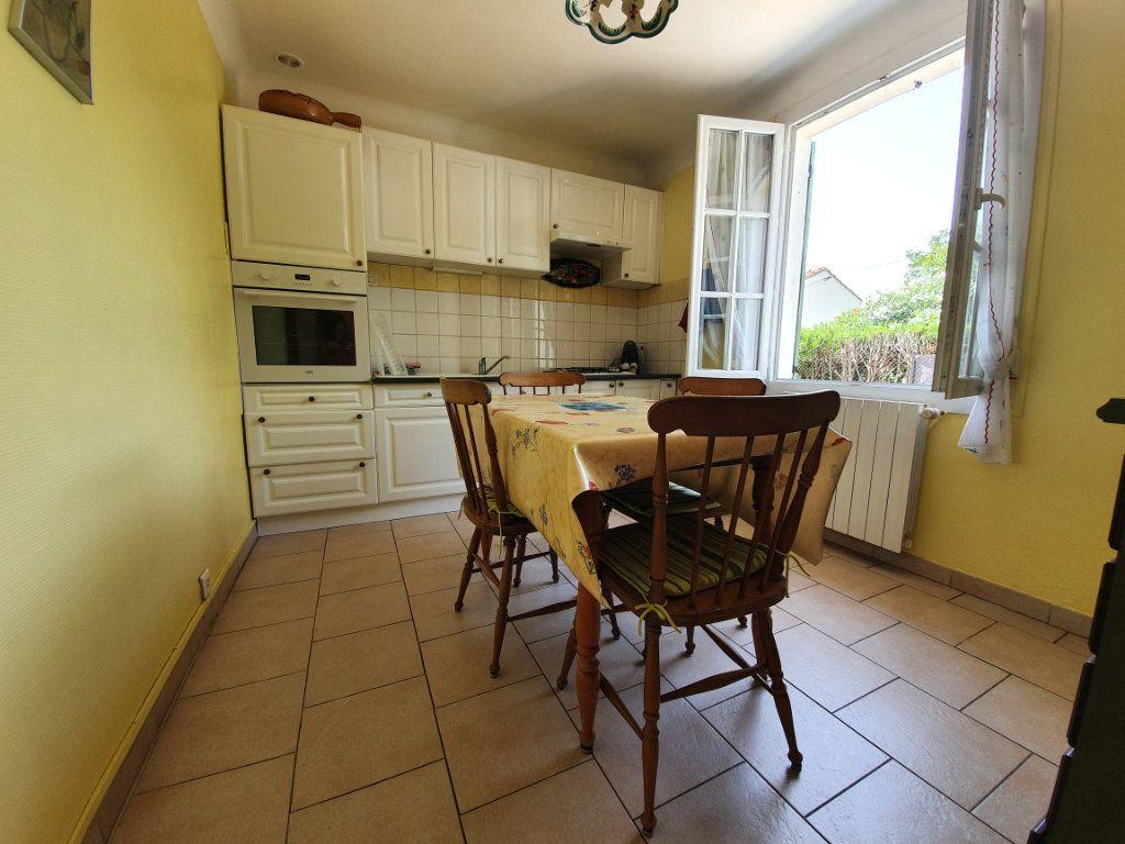 Maison à vendre 3 82m2 à Pont-Saint-Esprit vignette-6