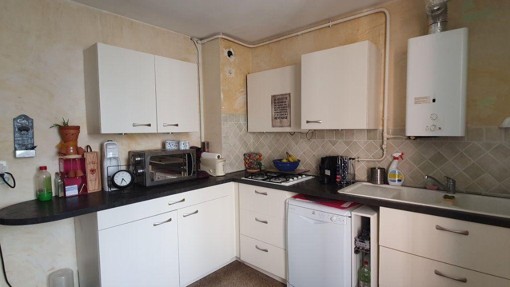 Appartement à vendre 4 67m2 à Pont-Saint-Esprit vignette-7
