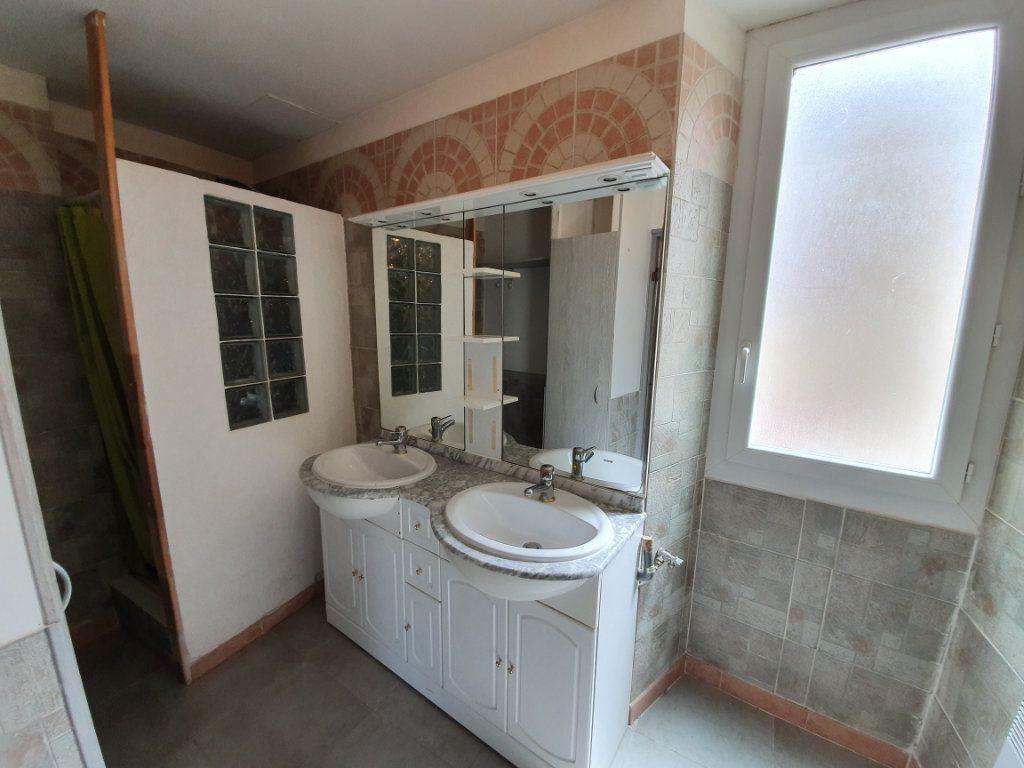 Maison à vendre 6 131m2 à Pont-Saint-Esprit vignette-9