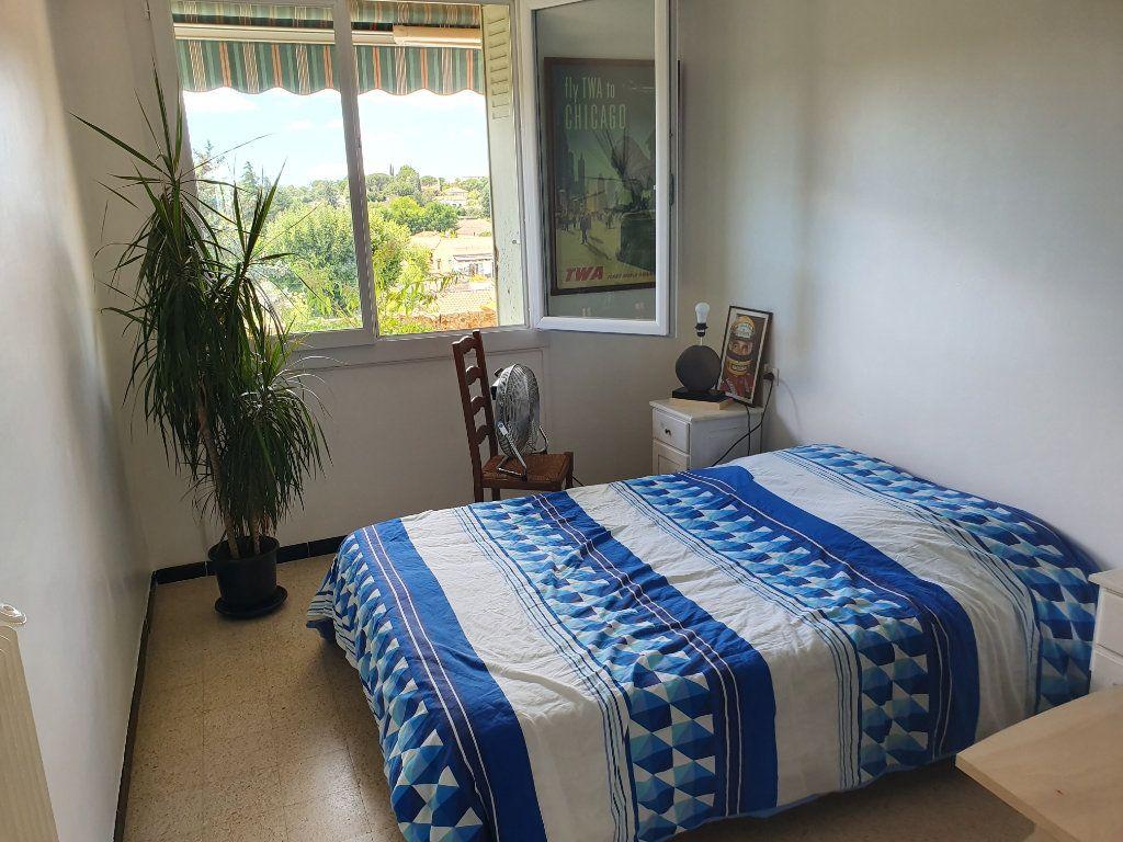 Appartement à vendre 3 62.7m2 à Pont-Saint-Esprit vignette-4