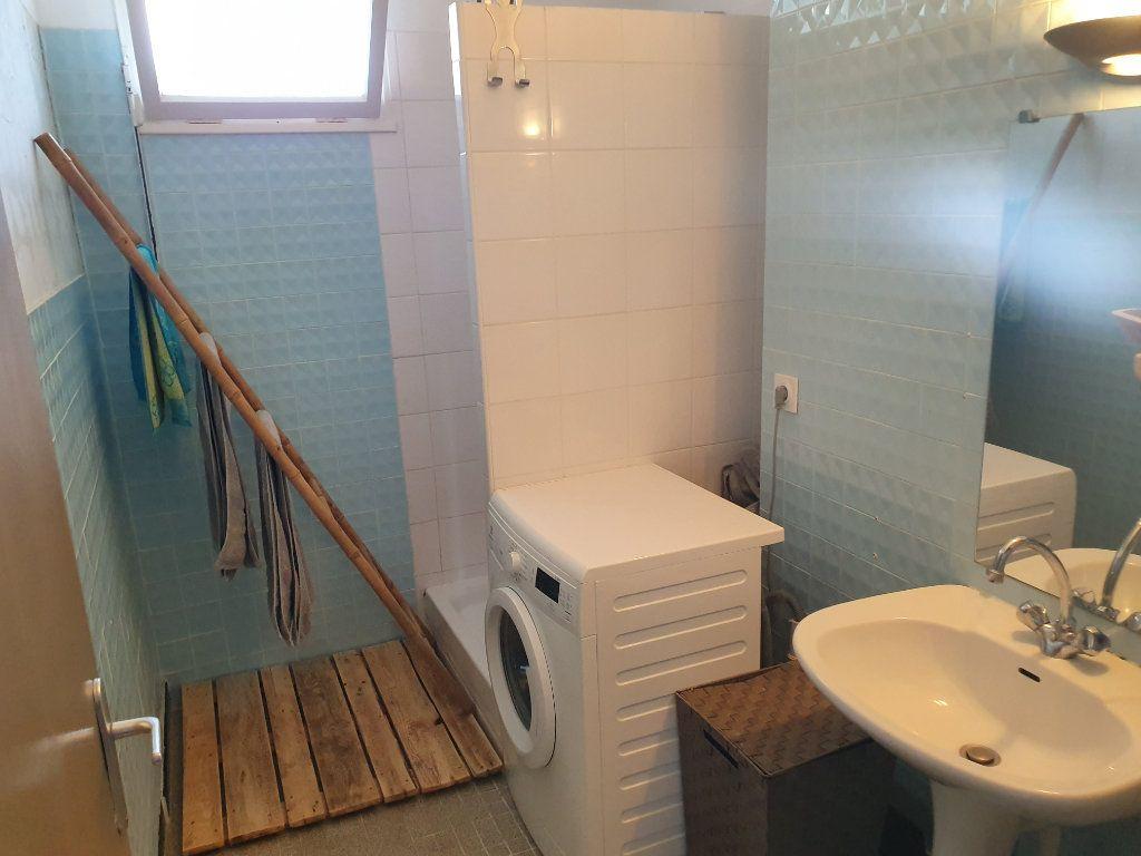 Appartement à vendre 3 62.7m2 à Pont-Saint-Esprit vignette-5