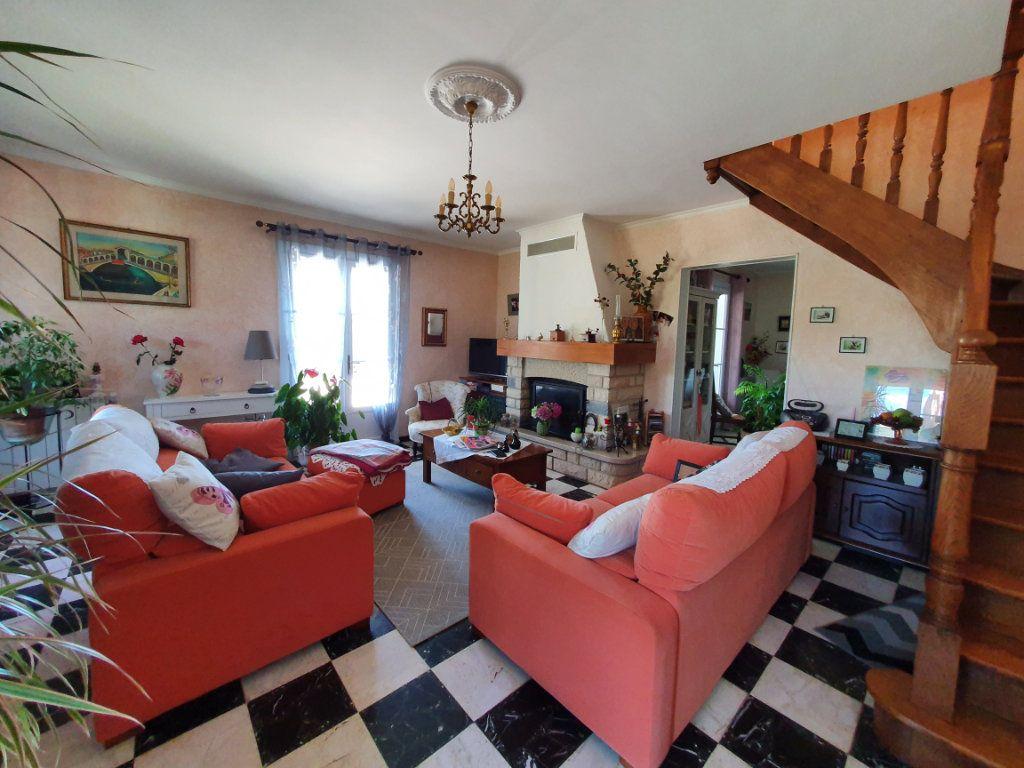 Maison à vendre 5 135.56m2 à Saint-Paulet-de-Caisson vignette-2