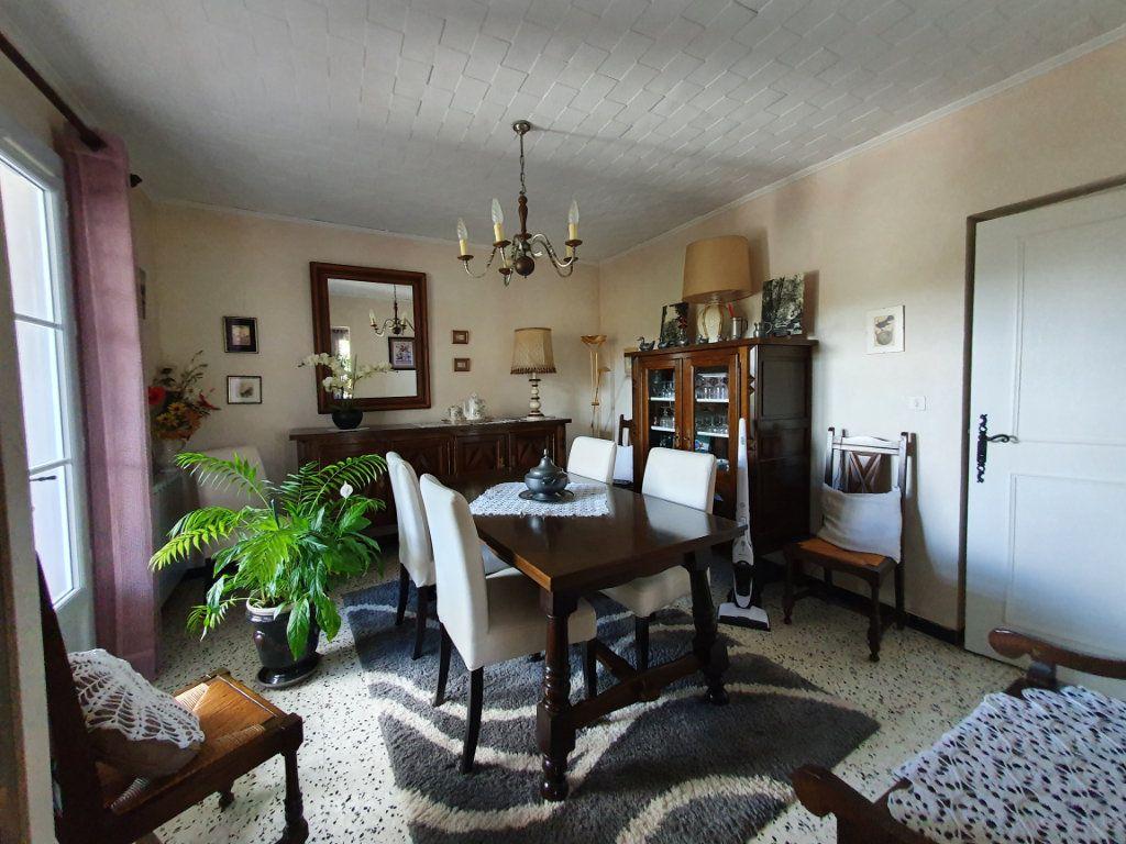 Maison à vendre 5 135.56m2 à Saint-Paulet-de-Caisson vignette-5