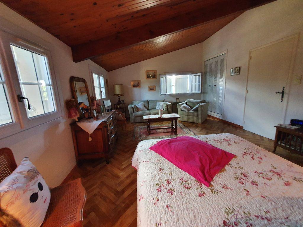 Maison à vendre 5 135.56m2 à Saint-Paulet-de-Caisson vignette-6