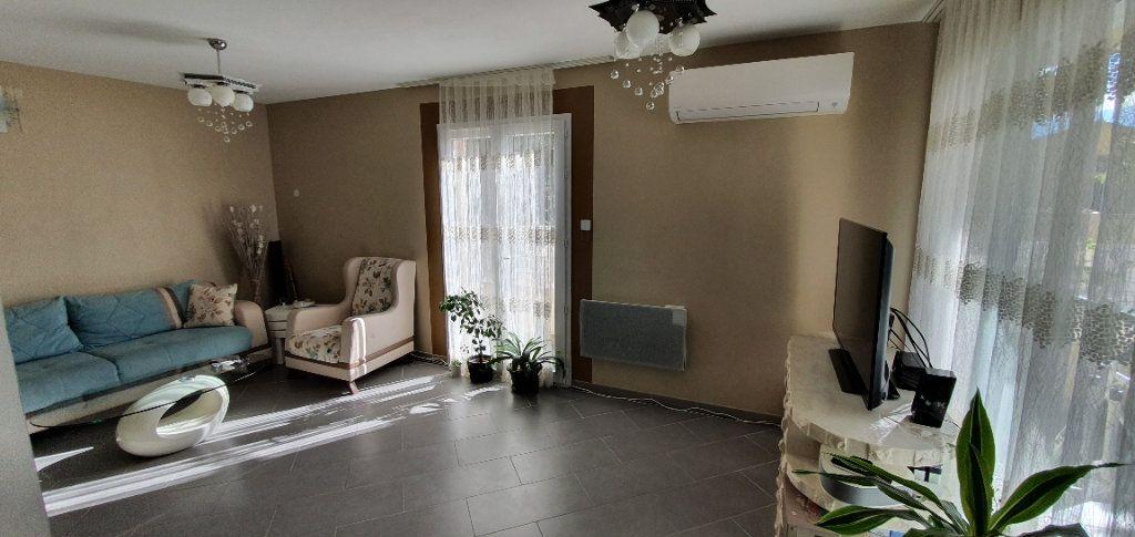 Maison à vendre 5 113m2 à Pont-Saint-Esprit vignette-3