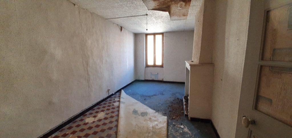 Maison à vendre 3 181m2 à Saint-Just-d'Ardèche vignette-3