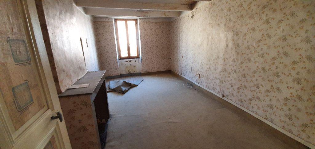Maison à vendre 3 181m2 à Saint-Just-d'Ardèche vignette-4