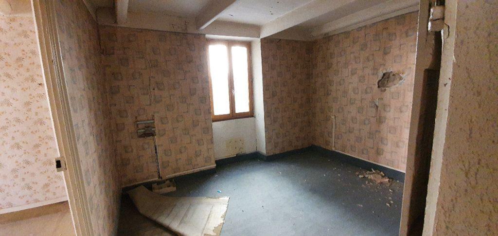 Maison à vendre 3 181m2 à Saint-Just-d'Ardèche vignette-5