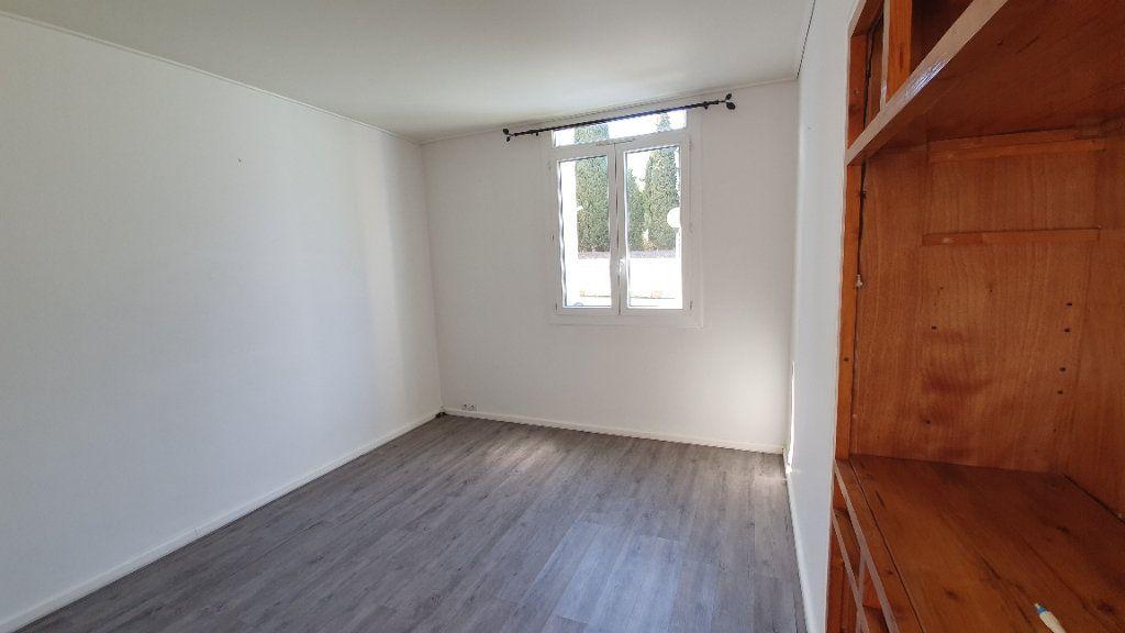 Appartement à vendre 4 74m2 à Pont-Saint-Esprit vignette-5