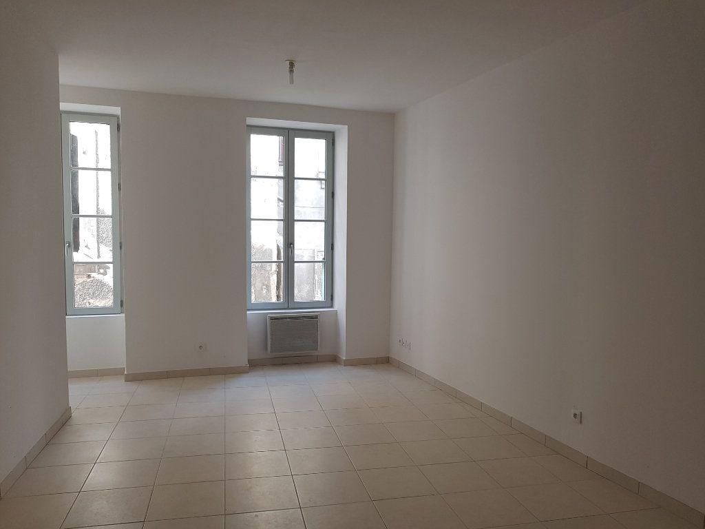 Appartement à louer 2 40m2 à Pont-Saint-Esprit vignette-2