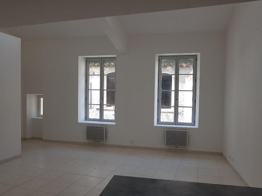 Appartement à louer 3 67m2 à Pont-Saint-Esprit vignette-3