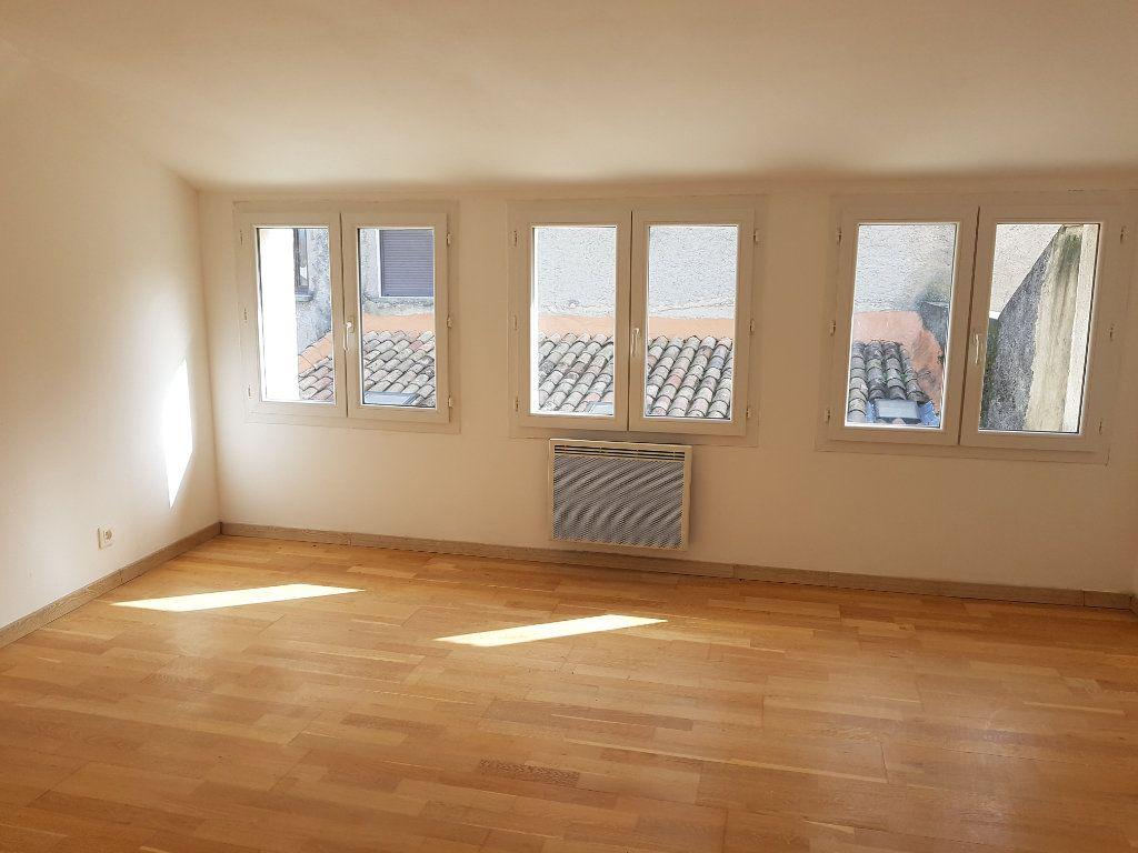 Appartement à louer 3 67m2 à Pont-Saint-Esprit vignette-5