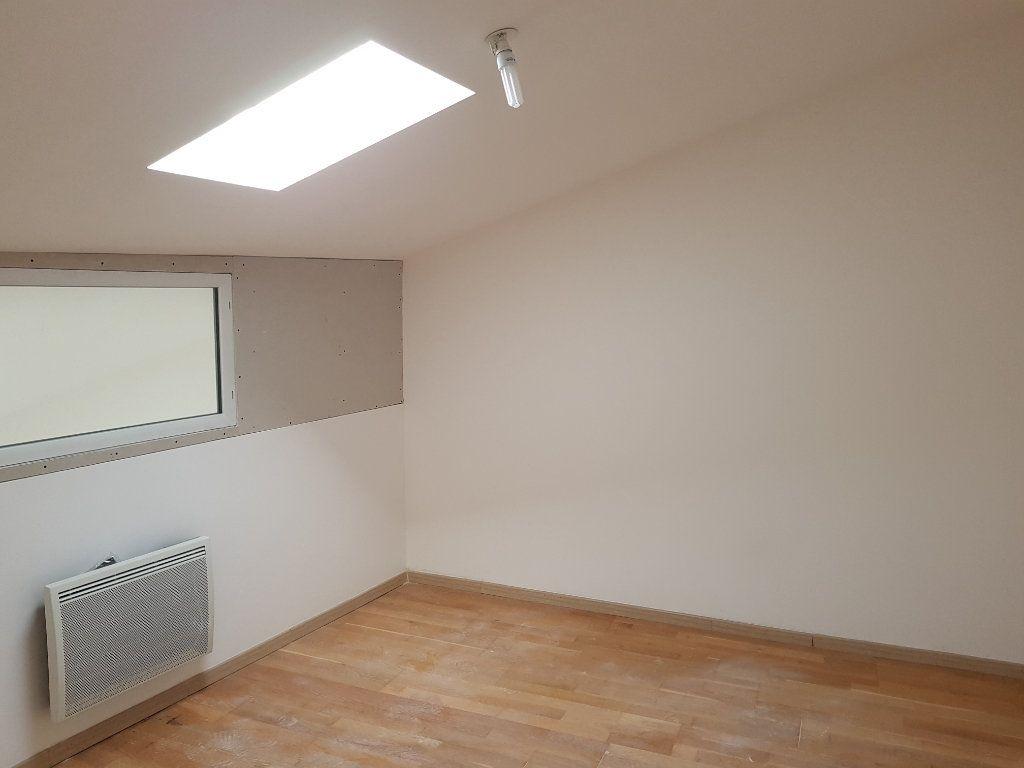 Appartement à louer 3 67m2 à Pont-Saint-Esprit vignette-8