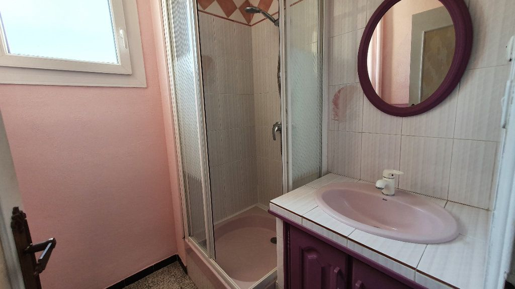 Appartement à vendre 4 66m2 à Pont-Saint-Esprit vignette-5