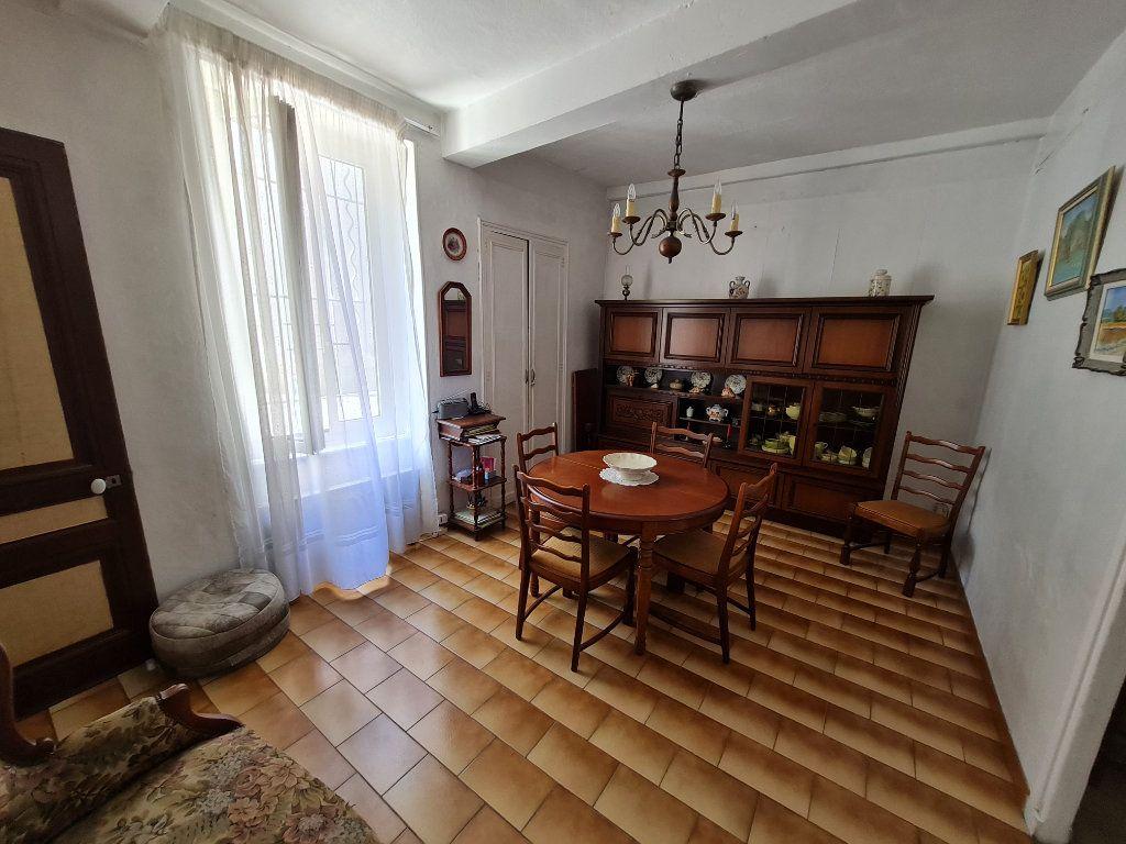 Maison à vendre 4 110m2 à Bagnols-sur-Cèze vignette-2