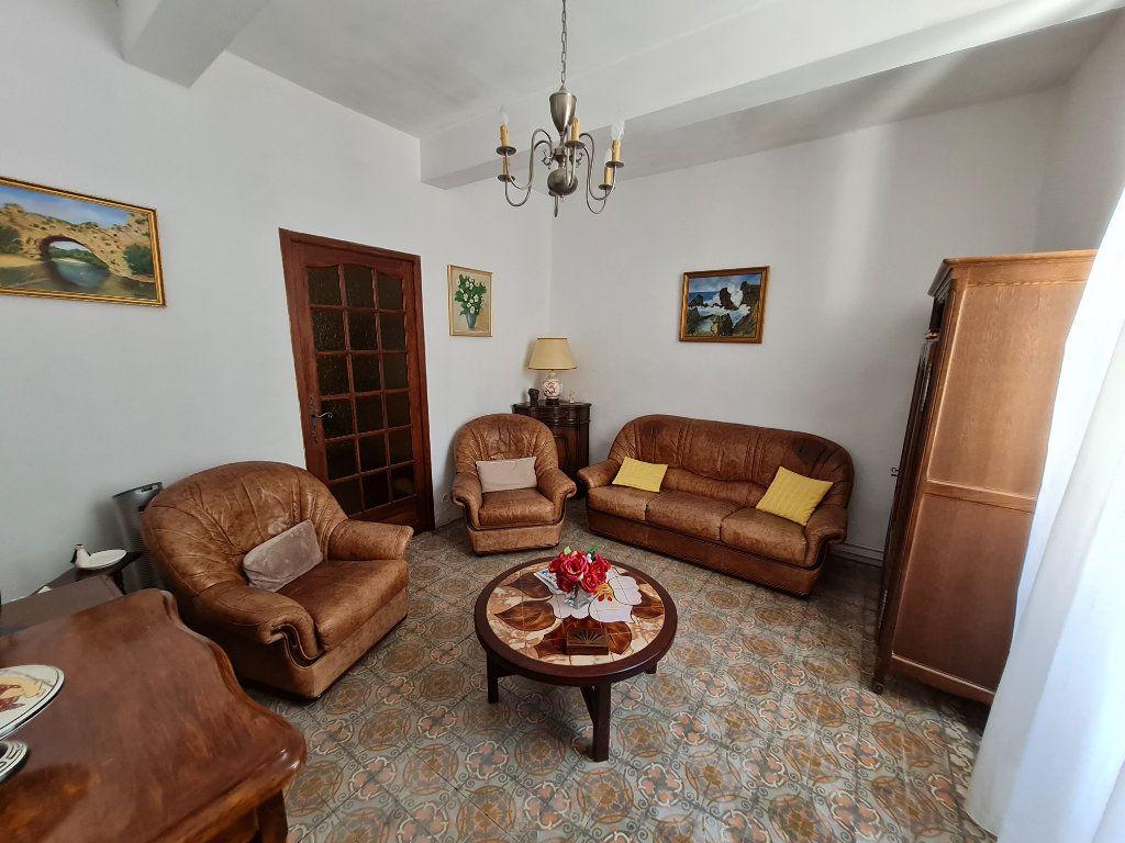 Maison à vendre 4 110m2 à Bagnols-sur-Cèze vignette-3