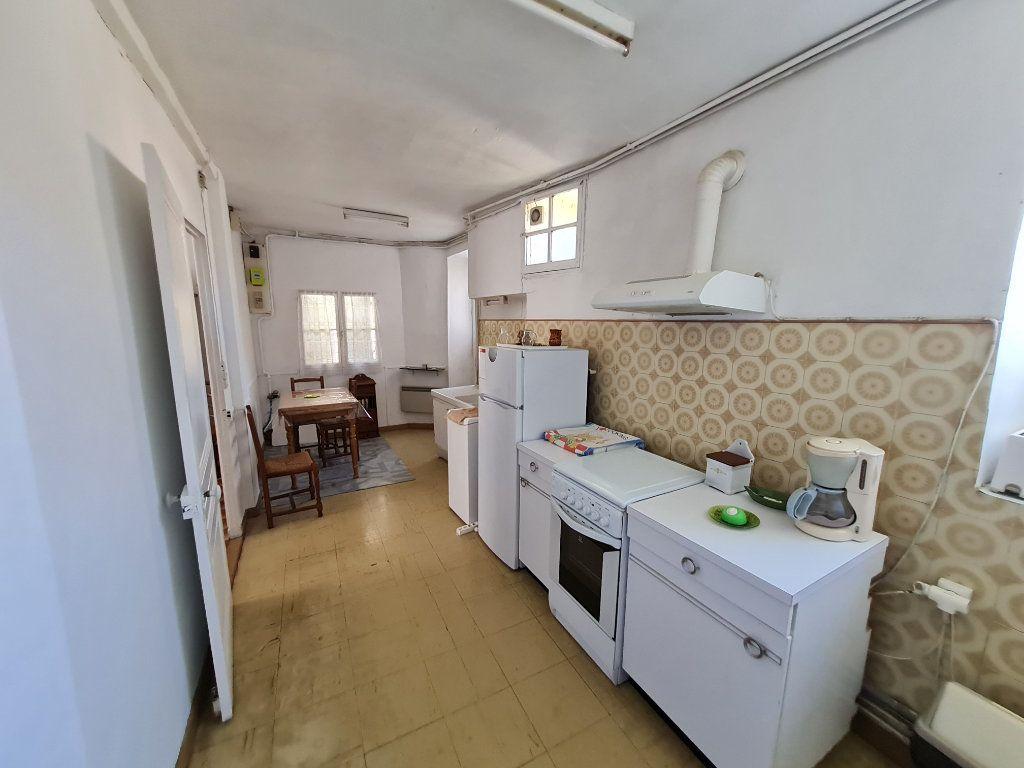 Maison à vendre 4 110m2 à Bagnols-sur-Cèze vignette-4