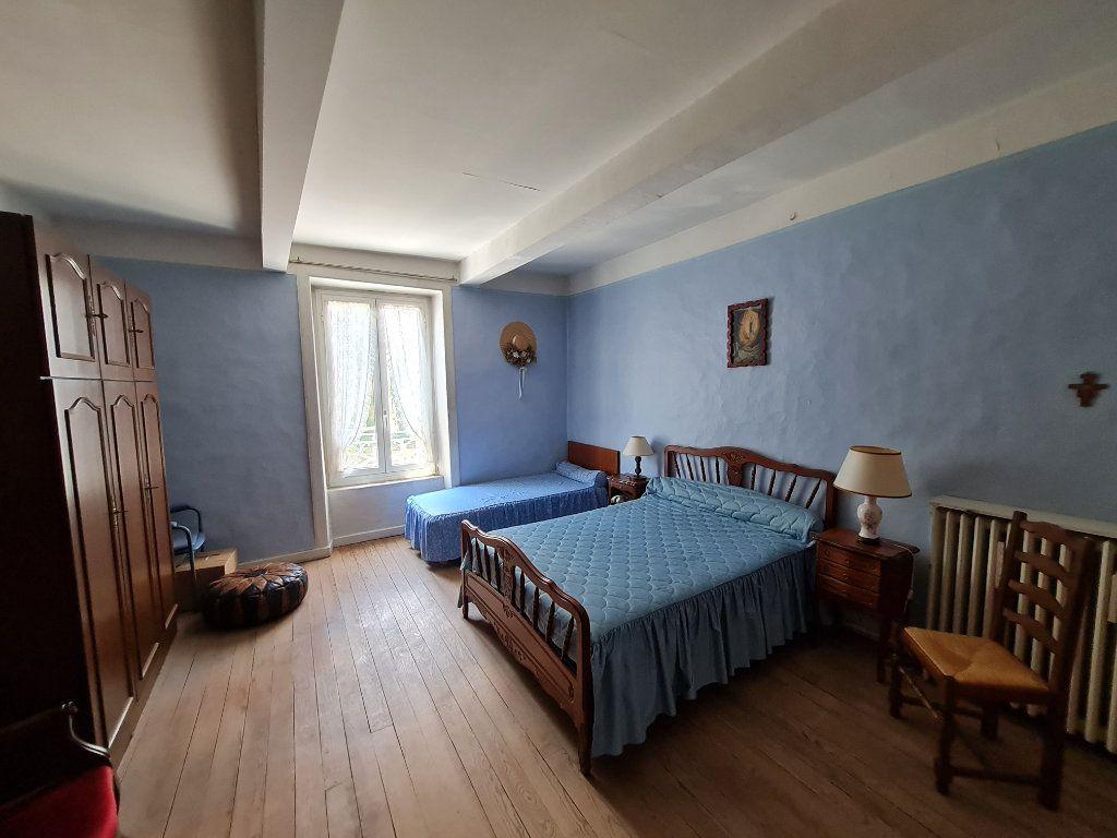 Maison à vendre 4 110m2 à Bagnols-sur-Cèze vignette-5