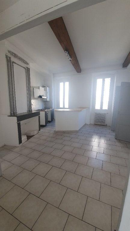 Appartement à louer 2 64.38m2 à Pont-Saint-Esprit vignette-3