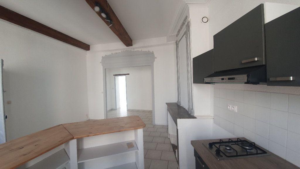 Appartement à louer 2 64.38m2 à Pont-Saint-Esprit vignette-5