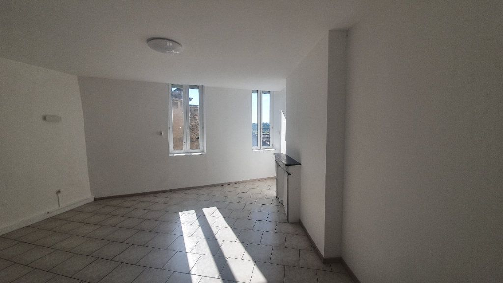 Appartement à louer 2 64.38m2 à Pont-Saint-Esprit vignette-7