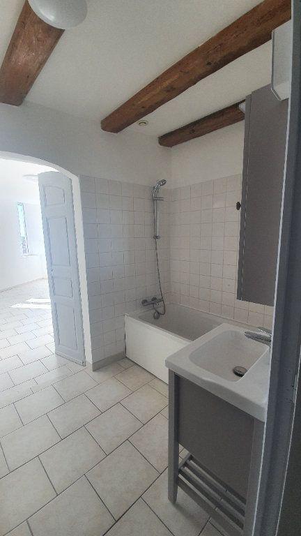 Appartement à louer 2 64.38m2 à Pont-Saint-Esprit vignette-8